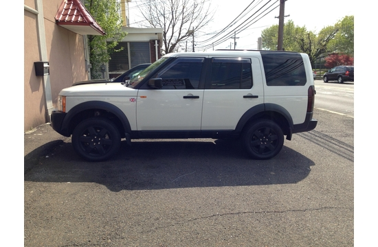Land Rover After Plasti-Dipped Wheels